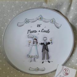 Piatto decorativo con sposi che brindano